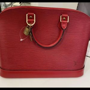 Louise Vuitton (please read before buying)